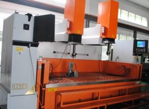 EDM mold machine