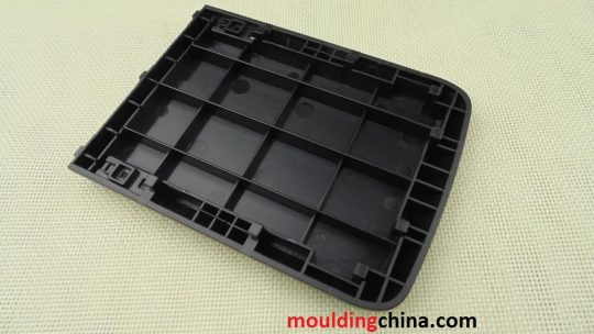 plastic injection cover mold